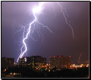 Opis: 663px-Lightning_in_Arlington